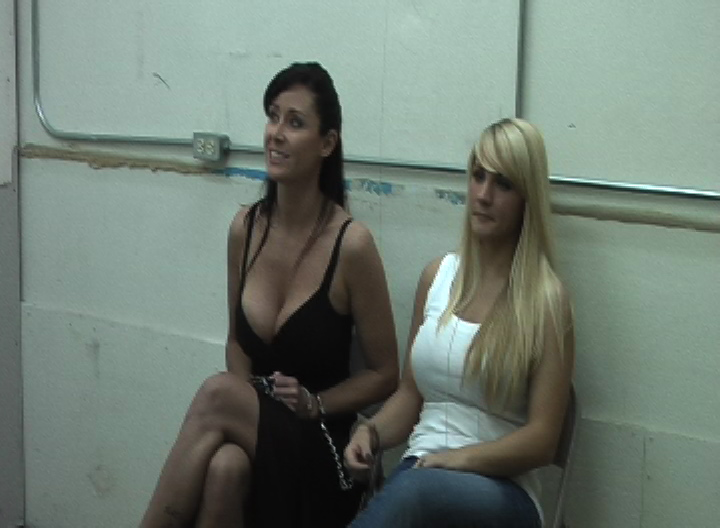 Christina Carter finally captured part#2: gotcuffs.com/content/?cat=34