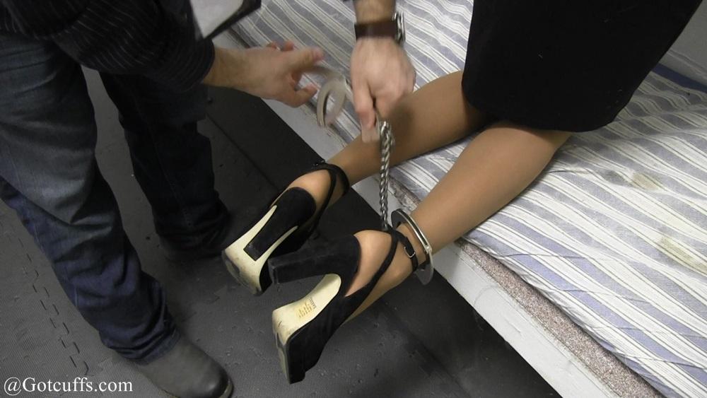 Hailey Lynn gets Transported: gotcuffs.com/content/?cat=144